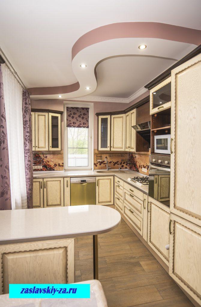 Полностью оборудованная кухня в таунхаусе