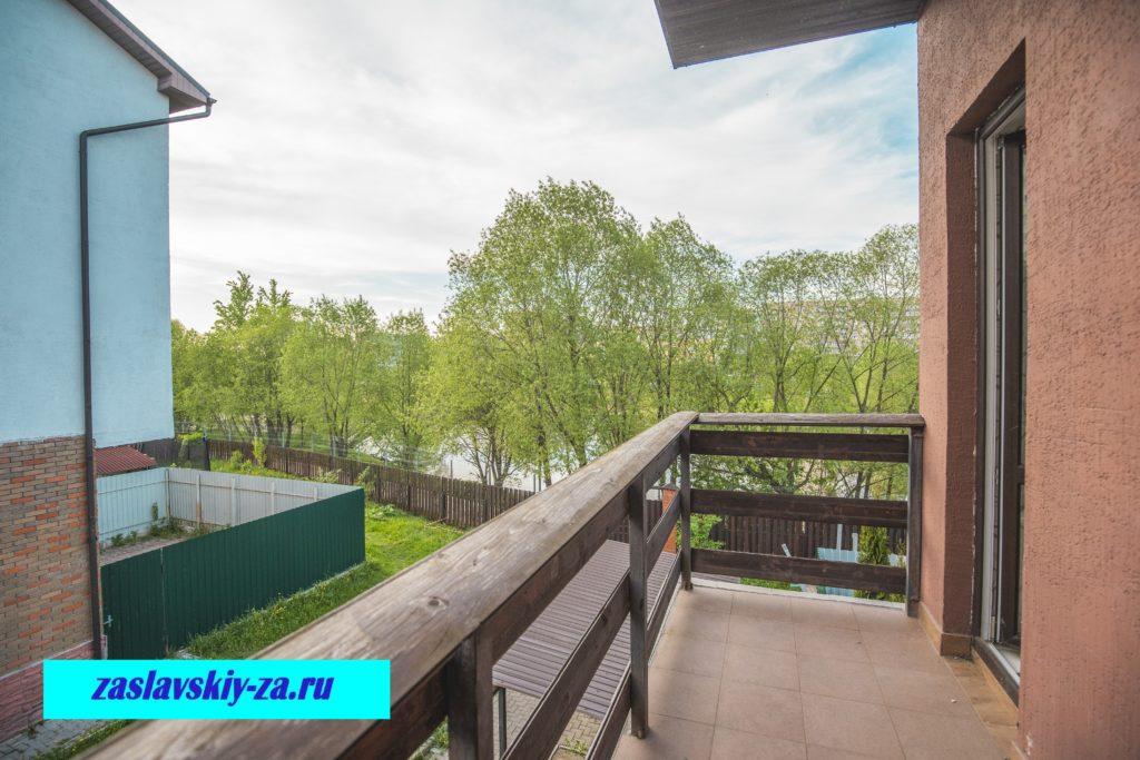 Вид с балкона нашего таунхауса